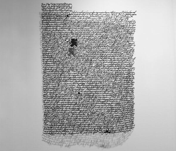 Annie vought - sculpture - lettre en papier découpé
