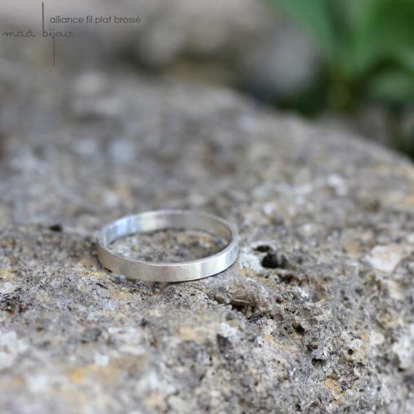 Alliance maä en Argent massif, modèle Ruban, inspiration minimaliste, bijoux écologique fait main en France, mariage éthique