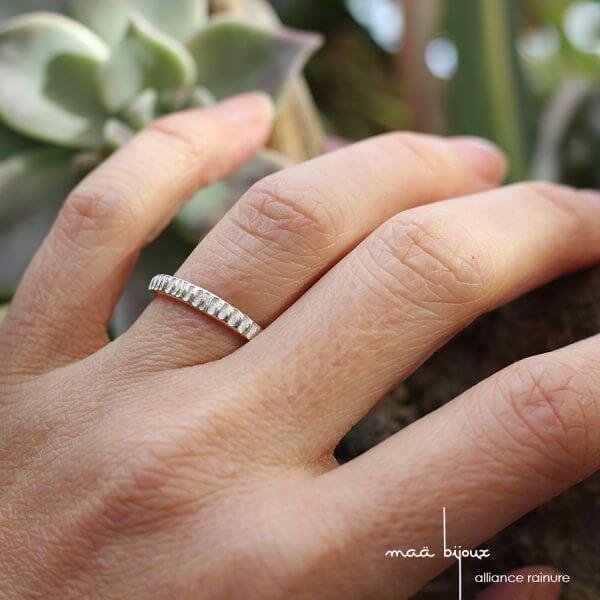 Alliance rainure en argent massif 925 recyclé, alliance texturé pour homme et pour femme, maä bijoux, bijoux d'autrice