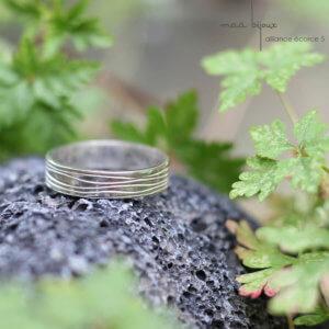 Alliance motif écorce stylisé en argent massif 925 recyclé, alliance petit artisan, maä bijoux, ecologique