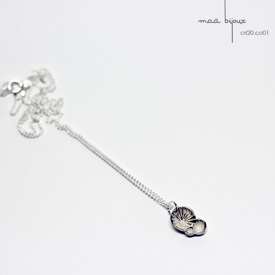 collier minimaliste de la collection corail inspiré de la nature fabriqué en france en argent massif recyclé, bijoux écologique, maä bijoux
